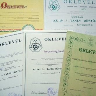 3. kép - Oklevelek - Folyamatos sportsikereket hoztak a diákolimpia fordulói az 1990-2000-es években