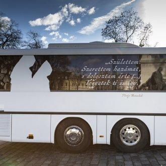 Pálosan szép az élet - Pálos rendtörténeti vándorkiállítás  (kép forrása:  www.palosbusz.hu)