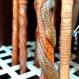 Kígyós pásztorbot a Balatoni Múzeum Néprajzi gyűjteményből