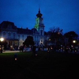 Márton-napi lámpásjárás, mely az egykori Szent Márton templom helyéről indul. Keszthely 2019. (F. Gyanó Szilvia)