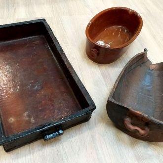 Lúdsütő cserépedény, hosszúsütő kacsához és tésztához, pecsenyesütő cseréptepsi   (Balatoni Múzeum, Néprajzi gyűjtemény)