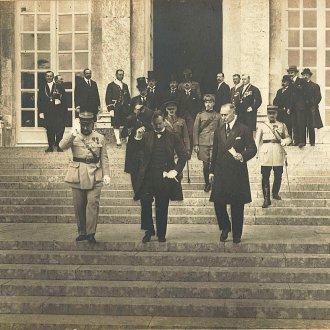 A magyar küldöttség a békeszerződés aláírása után